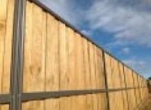Kwikfynd Lap and Cap Timber Fencing agneswater